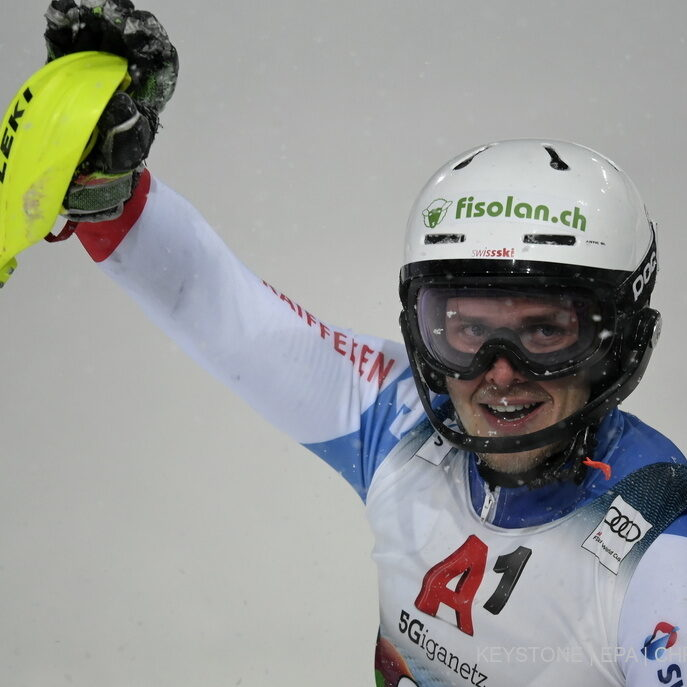 epa08967278 Noel Von Gruenigen of Switzerland reacts during the second run of the men's Slalom race of the FIS Alpine Skiing World Cup event in Schladming, Austria, 26 January 2021. EPA/CHRISTIAN BRUNA